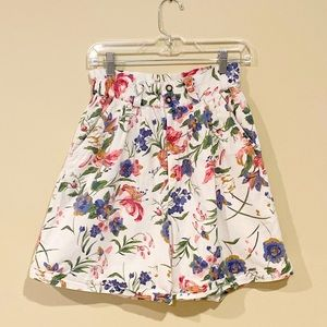 Vintage High waisted floral shorts